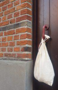 verse oogst aan de deurklink